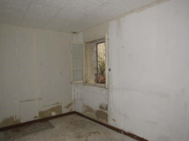Sale house / villa Les églises-d'argenteuil 27200€ - Picture 5