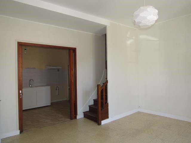 Sale house / villa Saint-jean-d'angély 69800€ - Picture 4