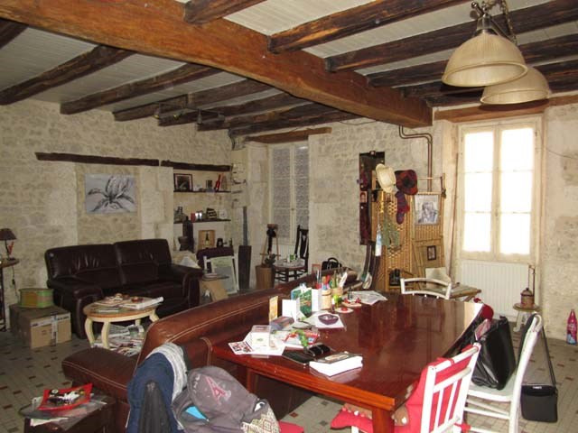 Sale house / villa Saint-jean-d'angély 80 250€ - Picture 4