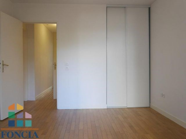 Location appartement Suresnes 1 600€ CC - Photo 9