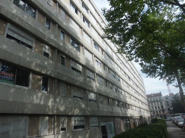 Location appartement Villeurbanne 433€ CC - Photo 1