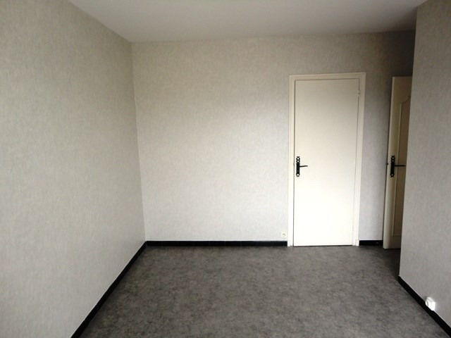 Location appartement Le pont de claix 650€ CC - Photo 3