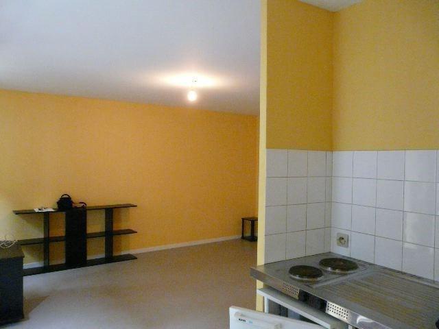 Rental apartment Saint-etienne 298€ CC - Picture 4