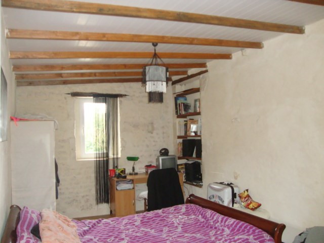 Sale house / villa Saint-jean-d'angély 152 700€ - Picture 8