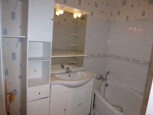 Rental apartment Elancourt 895€ CC - Picture 4