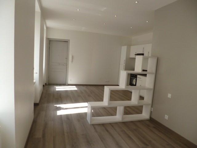 Location appartement Tarare 390€ CC - Photo 4