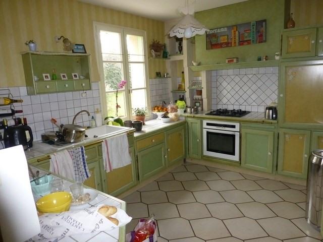 Sale house / villa Saint-jean-d'angély 339600€ - Picture 2