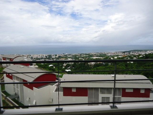 Location appartement St denis 615€ CC - Photo 1
