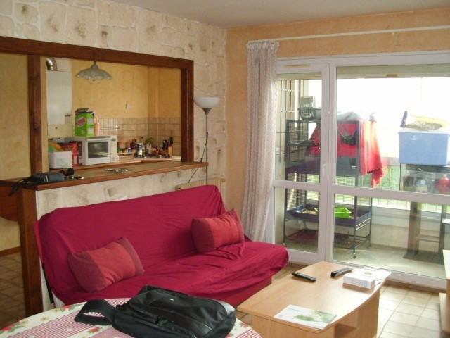 Rental apartment Maurepas 782€ CC - Picture 1
