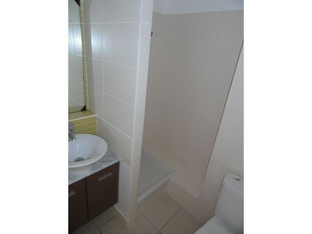 Location appartement Ste clotilde 363€ CC - Photo 3