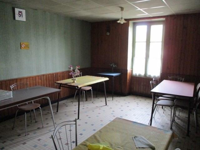 Sale house / villa Saint-jean-d'angély 97000€ - Picture 3