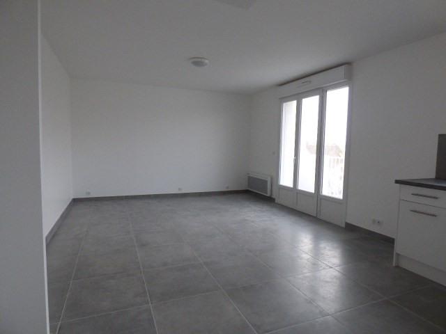 Location appartement Conflans-sainte-honorine 835€ CC - Photo 2