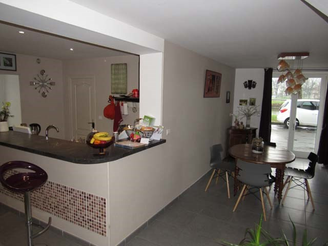 Sale house / villa Saint-jean-d'angély 174900€ - Picture 3