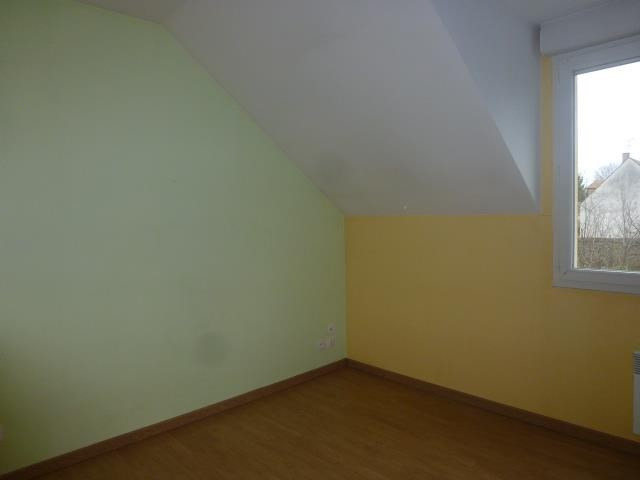 Rental apartment Vaux le penil 687€ CC - Picture 4