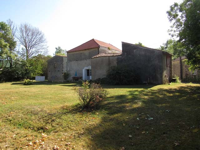Sale house / villa Saint pierre de l'ile 99 675€ - Picture 2