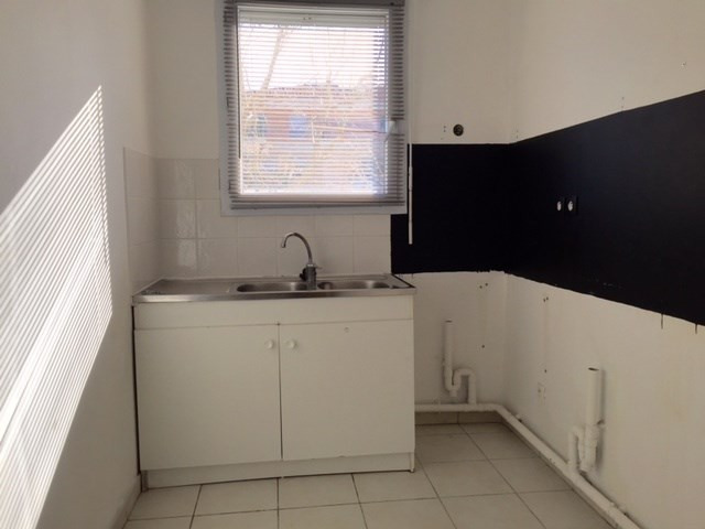Location appartement Marseille 13ème 559,45€ CC - Photo 4