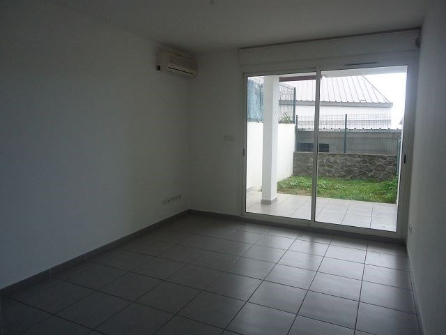 Location appartement Ste clotilde 358€ CC - Photo 2