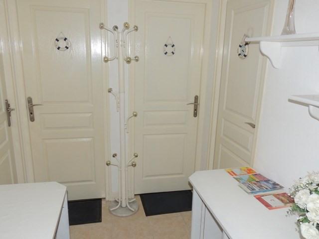 Vacation rental house / villa Vaux sur mer 390€ - Picture 14