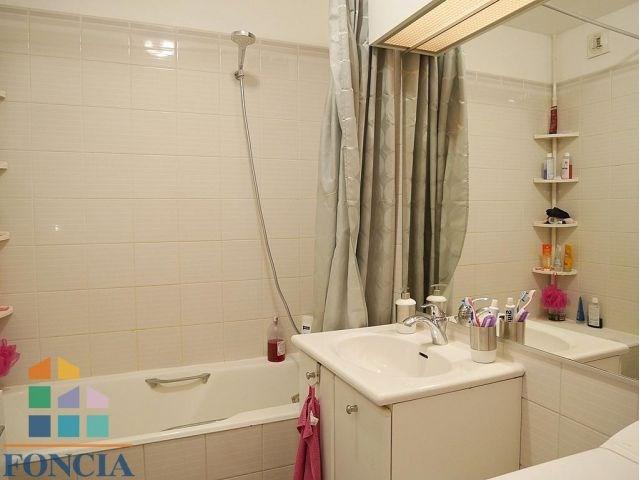 Rental apartment Suresnes 1323€ CC - Picture 6