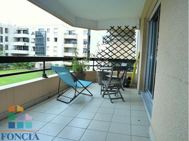 Rental apartment Suresnes 1808€ CC - Picture 1