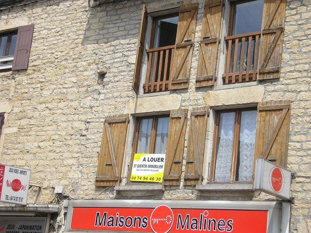 Rental apartment Bourgoin jallieu 405€ CC - Picture 1