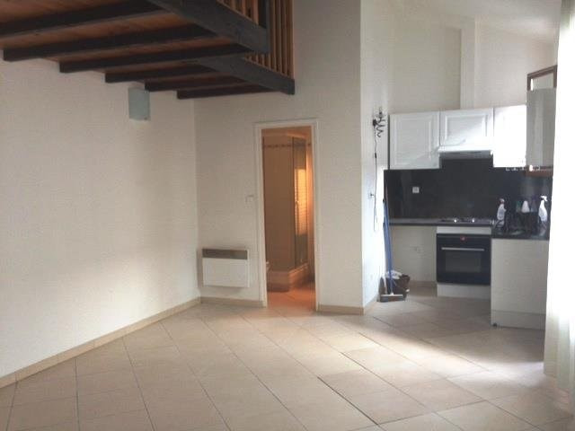 Rental apartment Aubervilliers 677€ CC - Picture 1