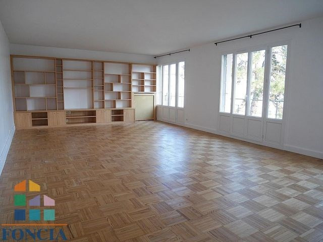 Rental apartment Suresnes 2 100€ CC - Picture 1