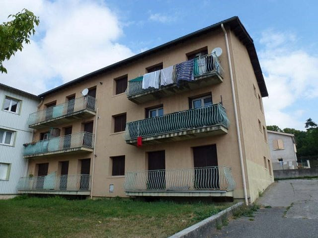 Location appartement St uze 395€ CC - Photo 7