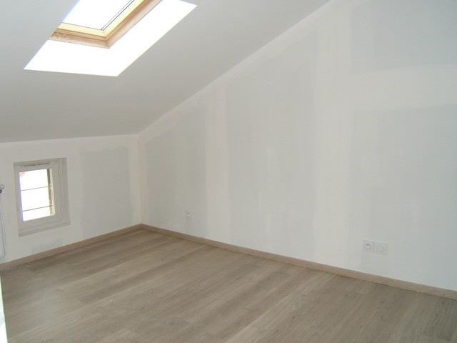 Locação apartamento Roche-la-moliere 363€ CC - Fotografia 4