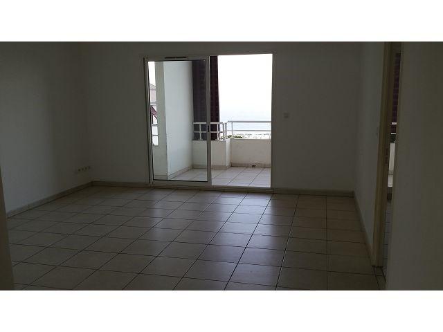 Location appartement Ste clotilde 825€ CC - Photo 3