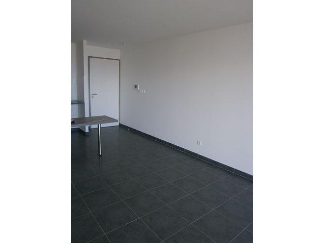 Location appartement St denis 578€ CC - Photo 2
