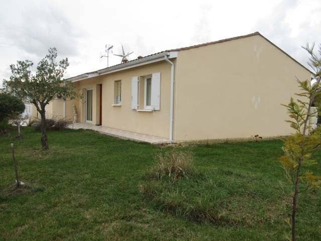 Sale house / villa Bercloux 138 000€ - Picture 1