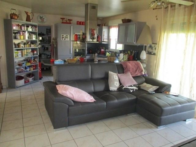 Sale house / villa Saint-jean-d'angély 157900€ - Picture 5