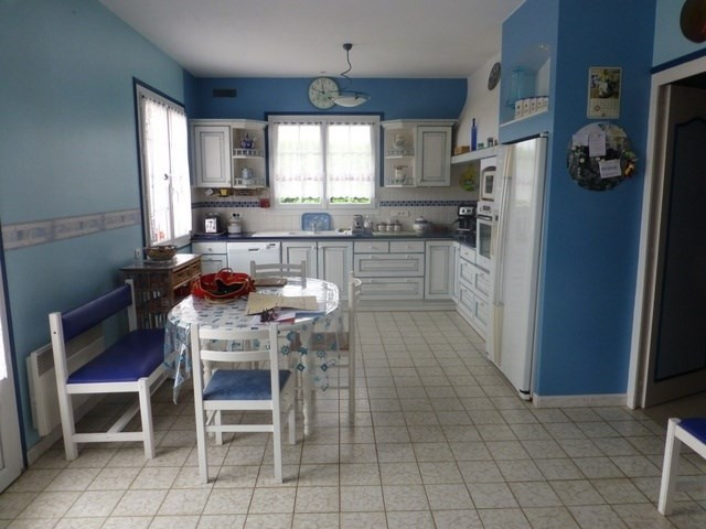 Sale house / villa Saint-jean-d'angély 259 800€ - Picture 4