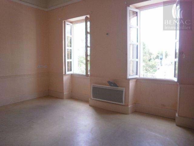 HE75-5806 Appartement de type 2 en ré de jardin