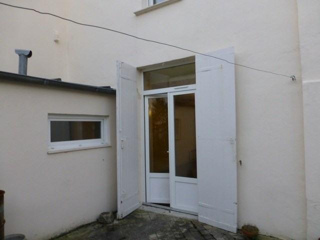Rental apartment Saint-jean-d'angély 260€ CC - Picture 1