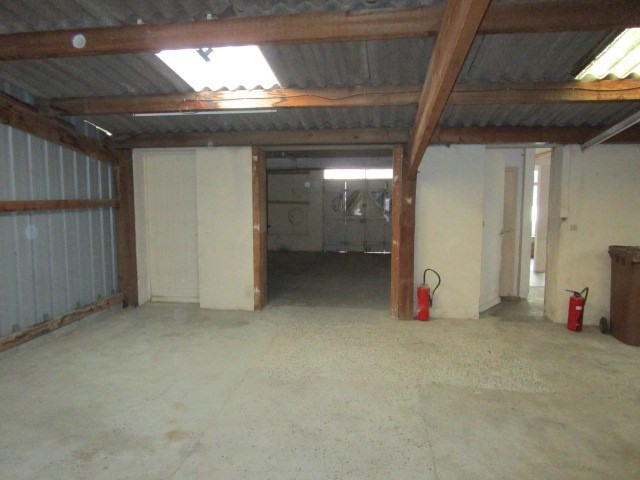 Location local commercial St lo 650€ HC - Photo 4