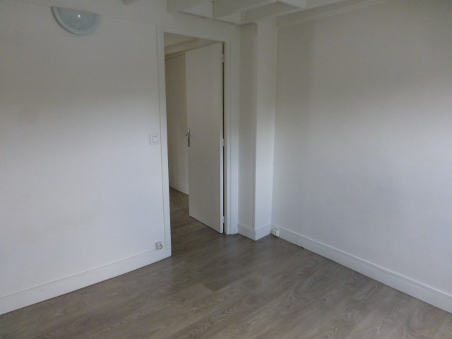 Location appartement Mantes la jolie 740€ CC - Photo 4