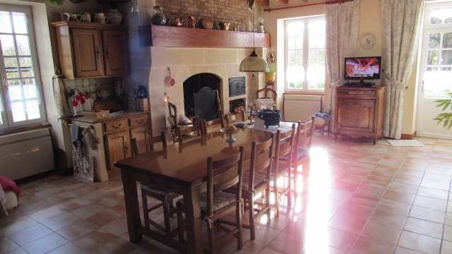 Sale house / villa Nantillé 438 900€ - Picture 5