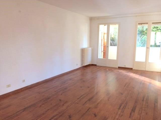 Location maison / villa Montfavet 920€ CC - Photo 2