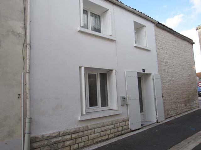 Sale house / villa Saint savinien 75000€ - Picture 1