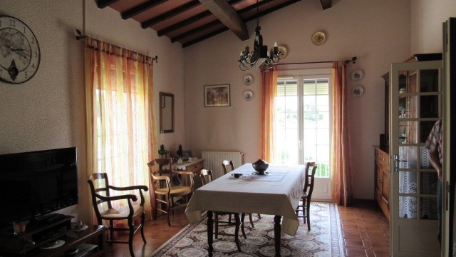 Sale house / villa St jean d'angely 190800€ - Picture 5