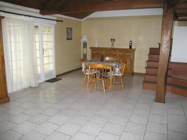Rental house / villa Cherves-richemont 596€ CC - Picture 3
