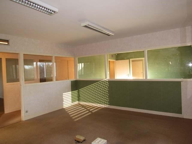 Sale house / villa Saint-jean-d'angély 233200€ - Picture 5