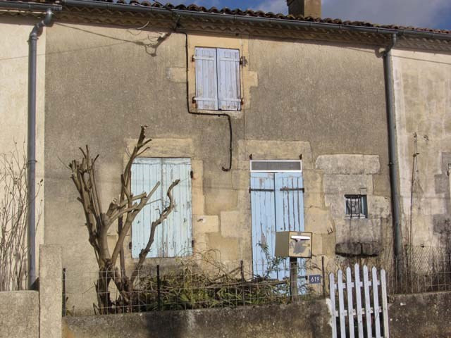 Sale house / villa Saint jean d'angely 29850€ - Picture 1