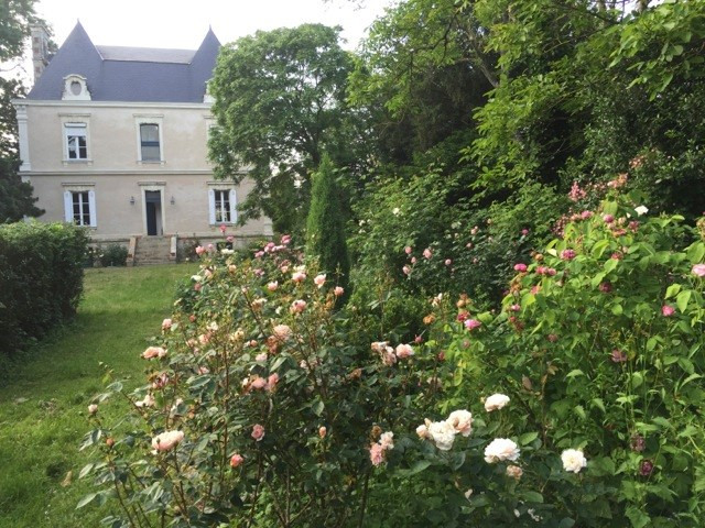 Deluxe sale house / villa Angers 20 mn nord 530 000€ - Picture 2