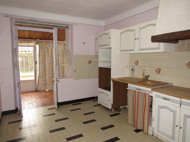 Sale house / villa Saint jean d'angely 132750€ - Picture 3