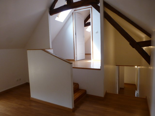 Rental house / villa Freneuse 689€ CC - Picture 12