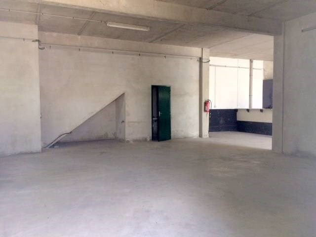 Vente local commercial Avignon 240 000€ - Photo 2