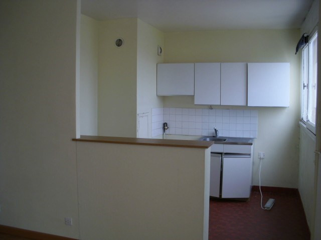 Rental apartment Maurepas 598€ CC - Picture 2